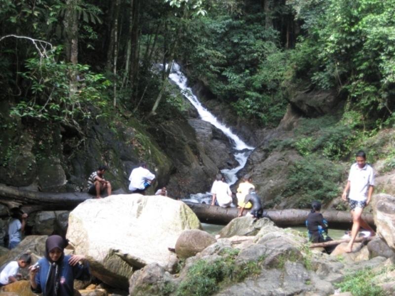 Air Terjun Ayer Putih Di Johor Lokasi Yang Terhebat Jeram Linang Wikipedia Bahasa Melayu Ensiklopedia Bebas Of Air Terjun Ayer Putih Di Johor Lokasi Mandi Manda Yang Sangat Permai Untuk Pelancong