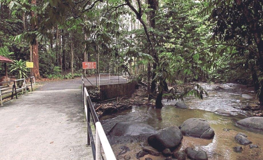 Air Terjun Congkak Di Selangor Lokasi Yang Terhebat Damai Di Sungai Congkak Harian Metro Of Air Terjun Congkak Di Selangor Lokasi Mandi Manda Yang Terbaik Untuk Pelawat