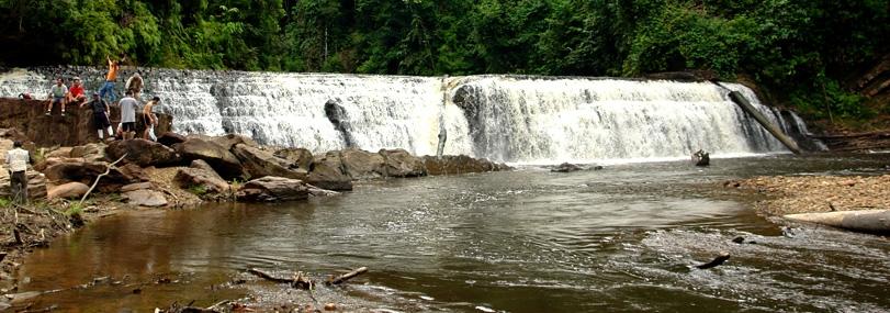 imbak canyon waterfall in imbak