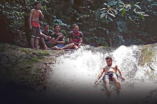 Air Terjun Sungai Chiling Di Selangor Lokasi Yang Hebat Redah Hutan Mandi Dengan Ikan Harian Metro Of Air Terjun Sungai Chiling Di Selangor Lokasi Mandi Manda Yang Terbaik Untuk Mandi-manda