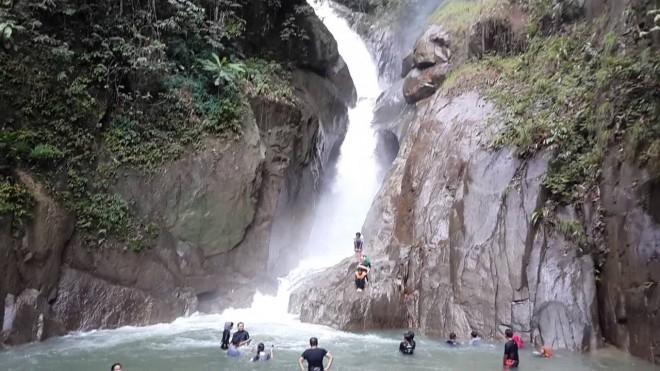 Air Terjun Sungai Chiling Di Selangor Lokasi Yang Terhebat Portal Kerajaan Negeri Selangor Darul Ehsan Of Air Terjun Sungai Chiling Di Selangor Lokasi Mandi Manda Yang Terbaik Untuk Mandi-manda