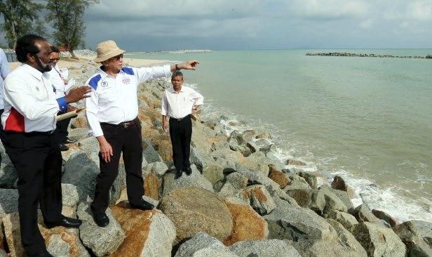6 pantai di terengganu kelantan kritikal