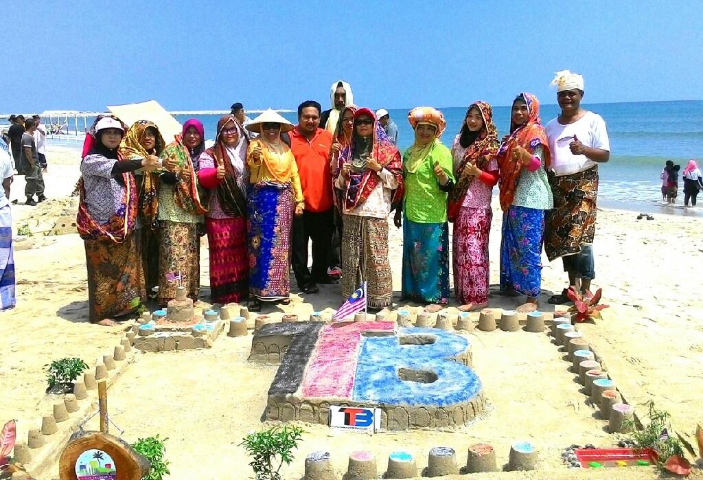 Pantai Batu Buruk Di Terengganu Tempat Menarik Yang Sangat Awesome Untuk Bersantai Of Pantai Batu Buruk Di Terengganu Tempat Menarik Yang Berbaloi Untuk Di Singgahi