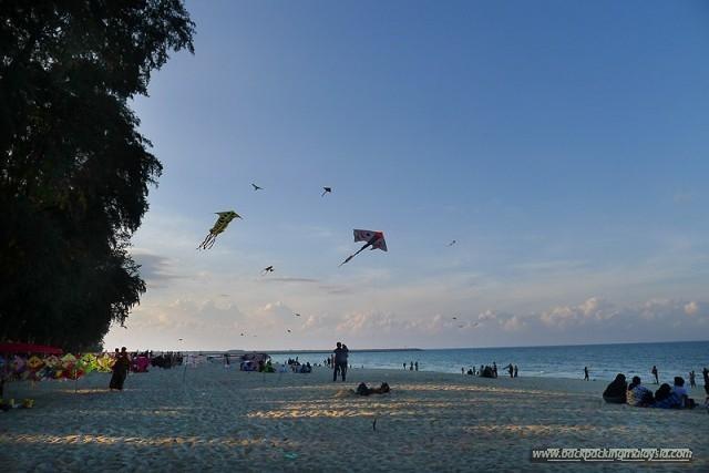 pantai batu buruk beach kuala terengganu jpg the beach