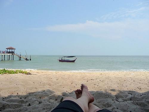 pantai kerachut relaxing