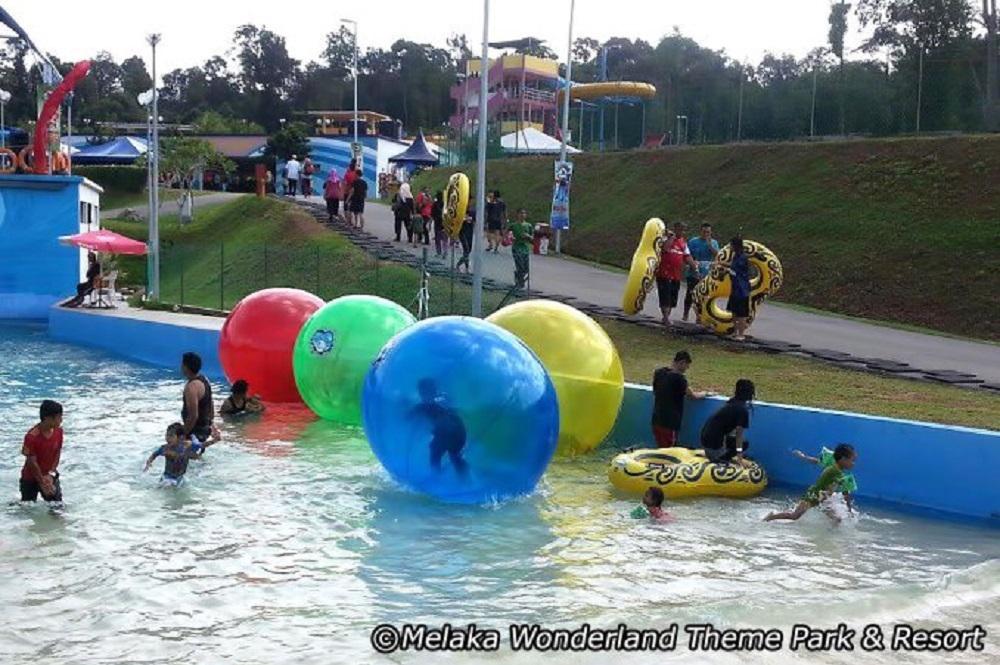 Tiram Indoor Water Park Di Johor Lokasi Mandi Manda Yang Sangat