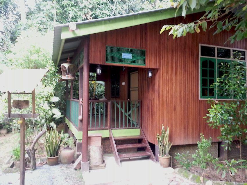 Gambar Pemandangan Rumah Kampung Yang