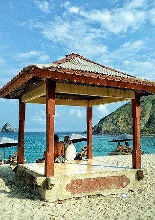 the fascinating mawun beach lombok