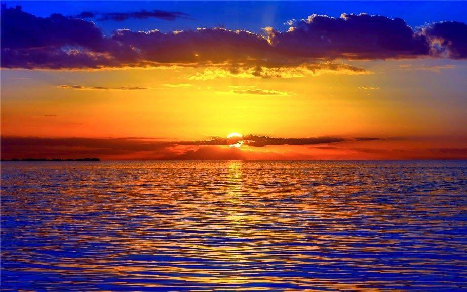 Pemandangan Waktu Senja Di Pantai Yang Menarik Sekali Dan Patut Kita Lihat Tempat Menarik
