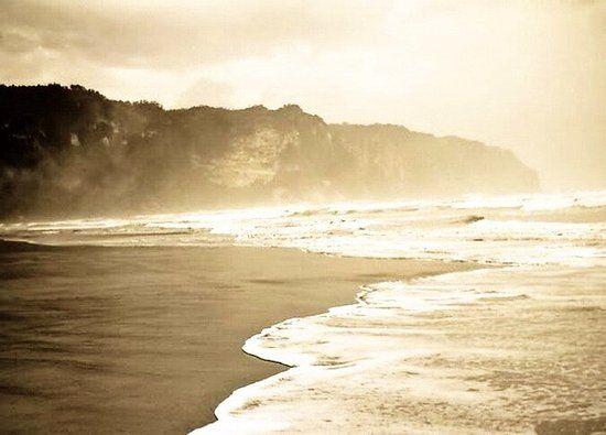 parangtritis beach pemandangan laut sore hari