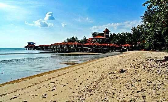 port dickson adalah tempat percutian di kawasan pantai yang sangat terkenal di negeri sembilan ia hanya mengambil masa selama 1 jam memandu dari kuala