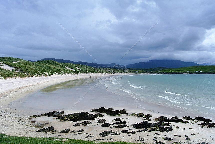 pemandangan tepi pantai yang indah di pantai pantai