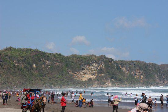 parangtritis beach pemandangan wisata pantai parantritis