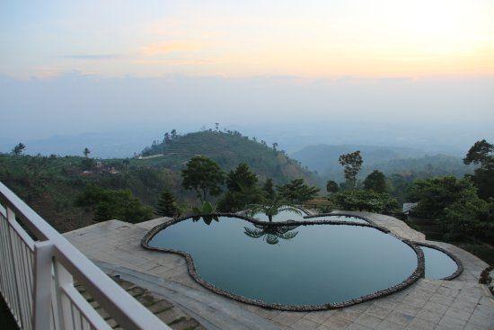 umbul sidomukti resort pemandangan indah yang dapat dinikmati oleh pengunjung hotel